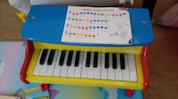 Melissa and doug kids piano with song book Alexandria