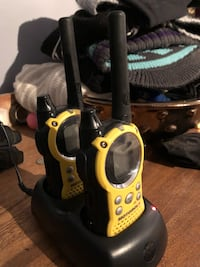 Motorola Walkie talkies with charger Burnaby, V5G 3X4