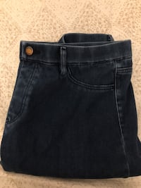 Uniqlo Woman's Soft Jeans Falls Church, 22042