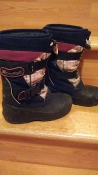 girl boots size 1 in good condition