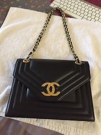 black leather Chanel crossbody bag Gatineau, J8T 5G1