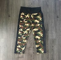 Camouflage Capri Athletic Leggings with Mesh Sides - LARGE  Los Angeles, 91344