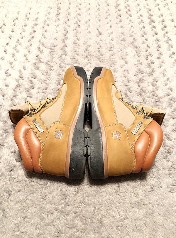 Men's Timberland Field Boot paid $158 Size 10.5  5f93fcfc-faeb-466a-bd98-d4be6eda4ffe