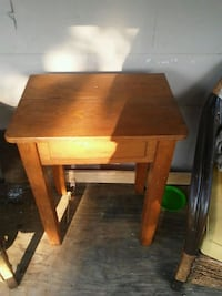 square brown wooden end table Baltimore, 43105
