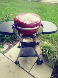 black and red electric kettle grill