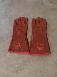 Pair of brown red ram leather welding gloves. Suffolk, 23435