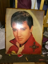 Very nice collectable elvis pictures Indianapolis, 46201