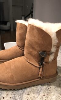 UGG boots brand new never worn size 7 Langley, V2Y 2Y4