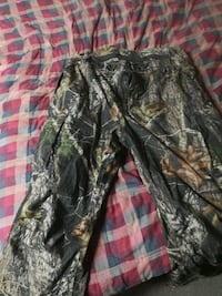 Hunting clothing set. Size is 2xl. Welland, L3C 2Y9