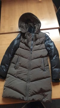 Rudsak winter jacket. Size small. Brown with black sleeves. Double layer zipper mid thigh length  Toronto, M6K