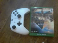 white Xbox One game controller Milton, L0P