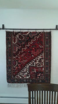 red and brown area rug 404 mi