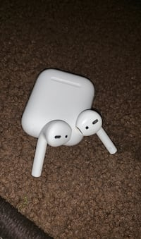 Apple air pods Chesapeake