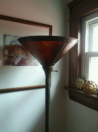 Torchier lamp/ uses a 3 way bulb. Cleveland, 44102