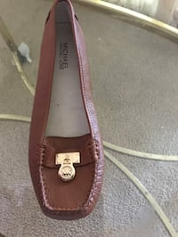 unpaired brown Michael Kors leather flats San Mateo, 94404