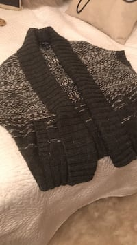 black and gray knitted cardigan Toronto, M9C 3Z4