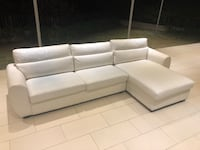 White leather sectional couch, almost new Los Angeles, 90049