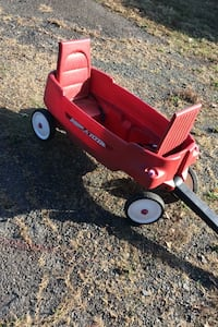 Radio flyer wagon for two