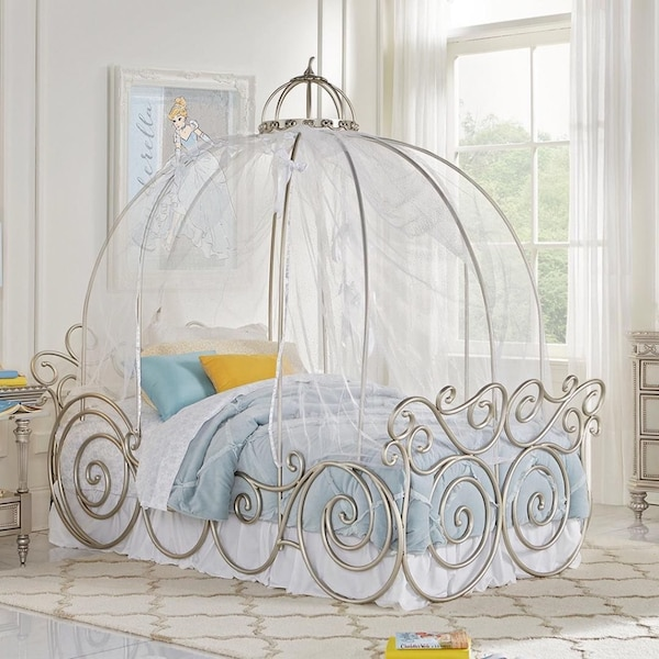 Carriage Twin Size Bed In Boca Raton