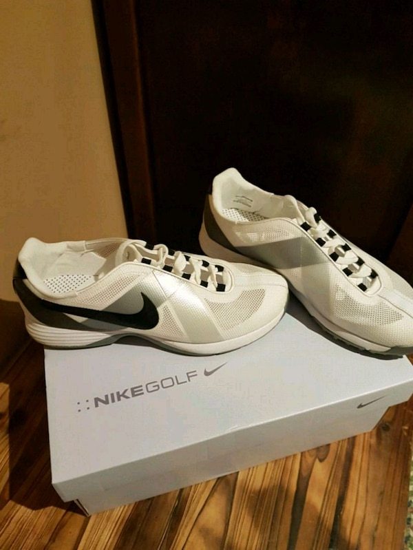 8b42180e2843 Used Size 7.5 pair of white Nike Air Force 1 low for sale in Vaughan - letgo