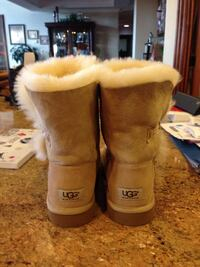Ugg short button boots San Jose, 95127