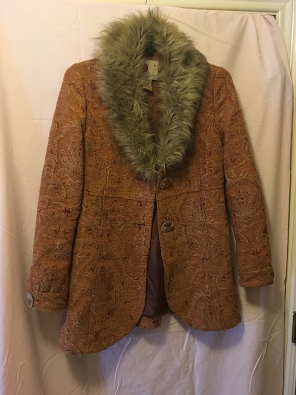 used women s furred neck jacket for sale in lubbock letgo