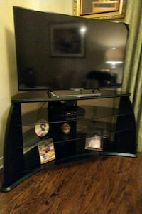 TV Stand almost new $150 541 km