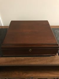 Bombay collector box in great condition