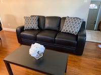 Faux Leather couch Brampton, L6X 5G6