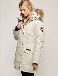Canada Goose Coat, Off-White - Small Montréal