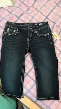 New size 16 miss me jean comes with tag
