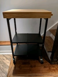 Collapsible table Toronto, M4K 1X8