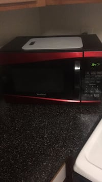 Black and red microwave oven Manassas, 20109