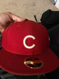 Snap back and fitted hats some r $20 some r $10 some r brand new some r used Chicago, 60611