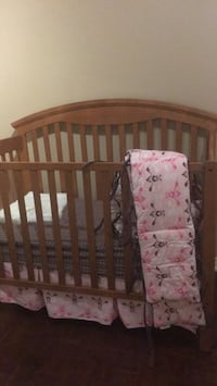 Baby's brown wooden crib Vaughan, L4L