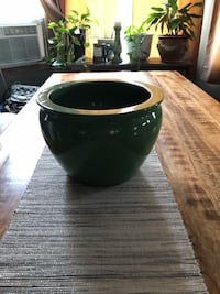 Large green plant pot , new Milwaukee, 53221