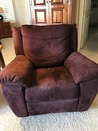 Purple recliner from Italsofa great condition  Las Vegas, 89135