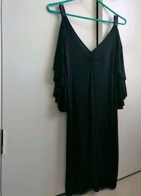Dress - GUESS, size small Vancouver, V6E 2M6