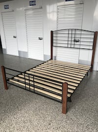 QUEEN size bed frame  Bowie, 20716