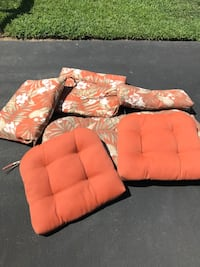 Reversible patio furniture cushions