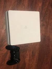 Ps4  Slim. For parts. Only Kenner, 70065