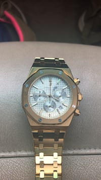 round gold-colored chronograph watch with link bracelet Nashville, 37219