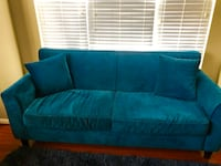 Blue Couch. Great Condition  Ashburn, 20147