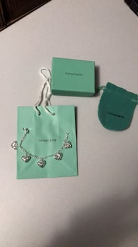 Tiffany & Co bracelet  King, L7B 1L1