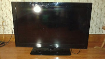 40 inch led TV , PS3, controller, 2 games . Message for game selection