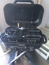coleman  grill with stand on wheels Pleasant View, 80401