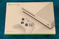 Xbox one s 500GB bundle Wolverine Lake, 48390