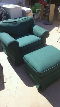 Comfortable green chair and ottoman recliner style Visalia, 93277