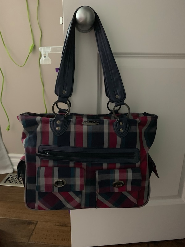 Gently used bags 46b6ac4d-4797-48d1-bd36-328833240aad