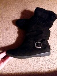 Black suede Lowcut Boots Greenville, 27834